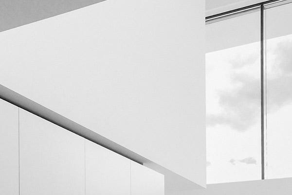 grueninger-architekt-white-silent